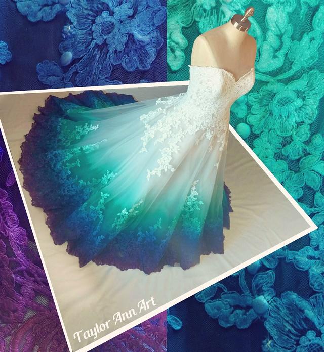 weiß blaues Hochzeitskleid