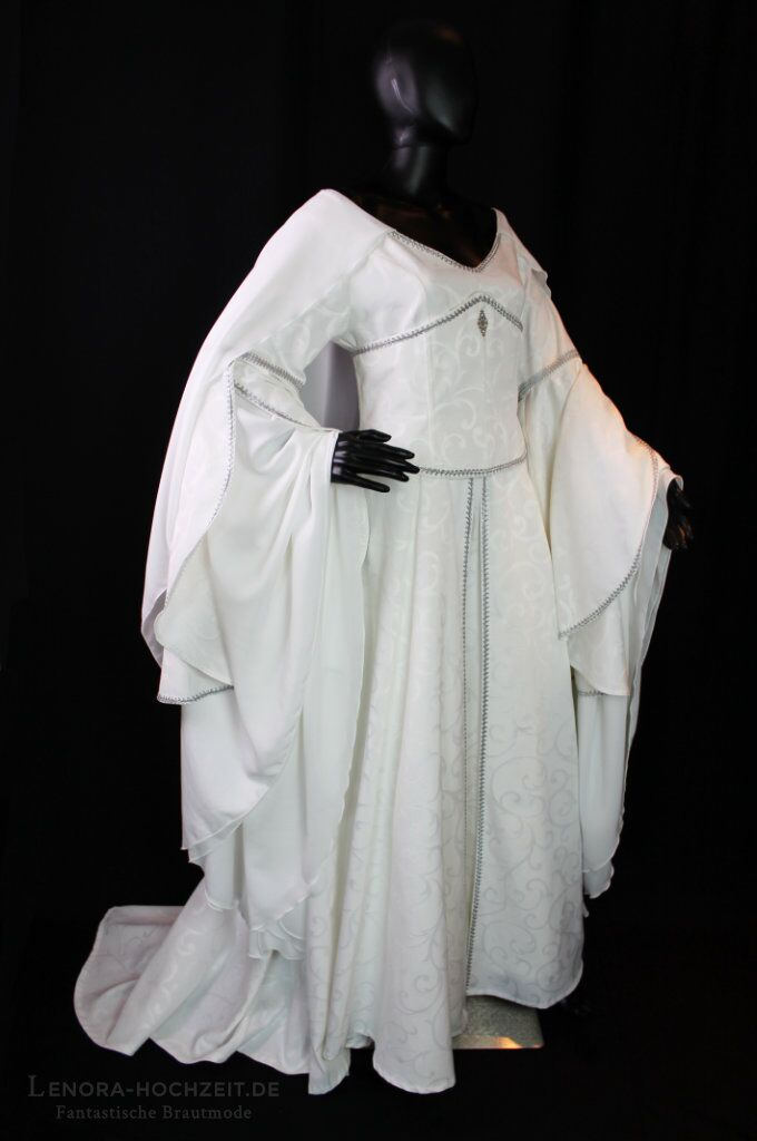 Weiteres Hochzeitskleid von Lenora Hochzeitsmode